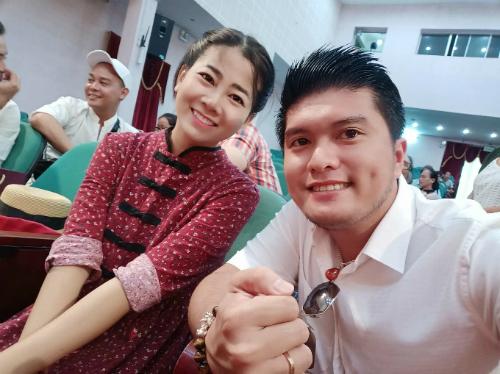 Mai Phương tươi tắn trong bức hình chụp chung một người bạn.