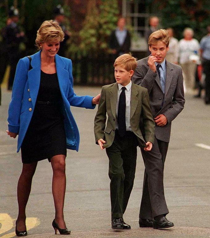 Những lần Diana chống đối lại các quy tắc của hoàng gia - 4