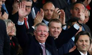Sir Alex lần đầu trở lại Old Trafford sau khi vượt qua bạo bệnh