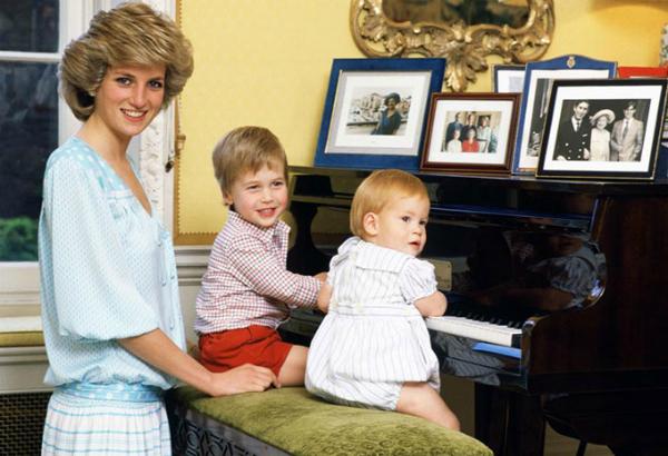 Những lần Diana chống đối lại các quy tắc của hoàng gia - 5