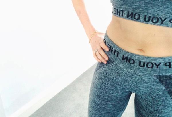 Theo Anneli, trong hai ngày đầu bạn sẽ cảm thấy chưa quen, cơ thể mệt mỏi và có cảm giác đói nên hãy bắt đầu liệu trình vào thứ bảy để có được hai ngày nghỉ ngơi hoàn toàn, làm quen với thực đơn mới. Những ngày sau đó, bạn có thể vận động nhẹ nhàng, khuyến khích ngồi thiền để tăng cường hiệu quả thải độc. Sau bảy ngày thực hiện detox bằng nước ép hoa quả, Anneli đã giảm được 3,8 kg. Cô cảm thấy cơ thể nhẹ nhõm, làn da tươi tắn và tinh thần phấn chấn hơn.