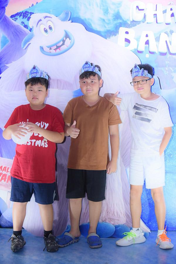 Vợ chồng Đan Lê, Thúy Hạnh đưa các con đi xem phim cuối tuần - 6