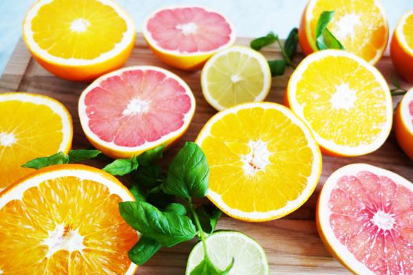 Phương pháp thanh lọc cơ thể bằng nước hoa quả trong 7 ngày yêu cầu bạn cắt giảm toàn bộ thực đơn đồ ăn hàng ngày mà thay thế hoàn toàn bằng các loại nước ép được pha theo công thức.