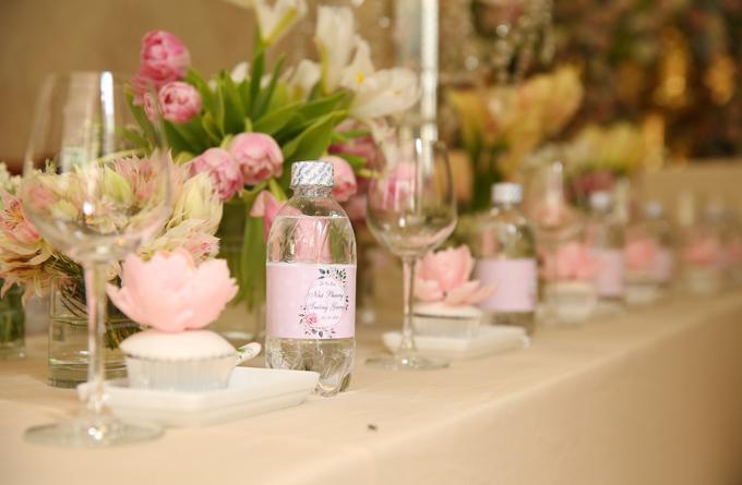 Không gian đám cưới Nhã Phương mang tông màu hồng là chủ đạo.