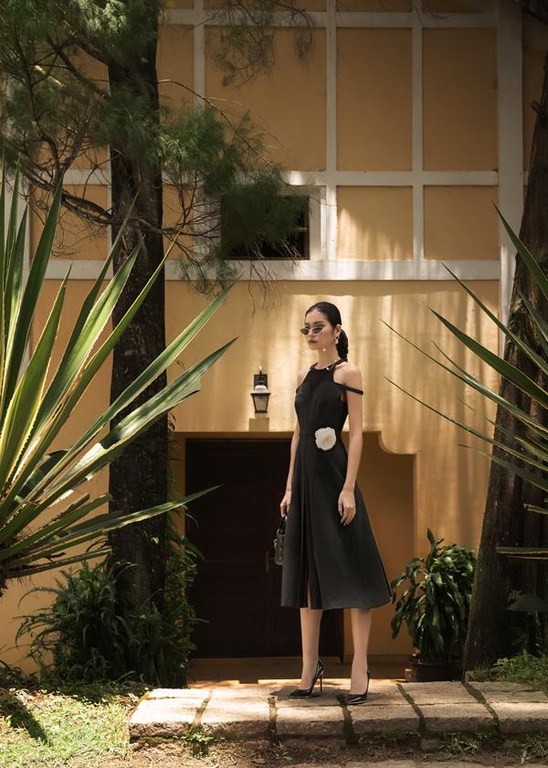 Là một thương hiệu trẻ, nhưng DECOS luôn không ngừng nâng cao tiêu chuẩn chất lượng trong từng thiết kế của mình. Với bộ sưu tập Le Jardin Sauvage, DECOS đã kết hợp cùng những thợ thủ công có tay nghề cao để tạo ra chiếc hoa cài áo đầy tinh khôi.