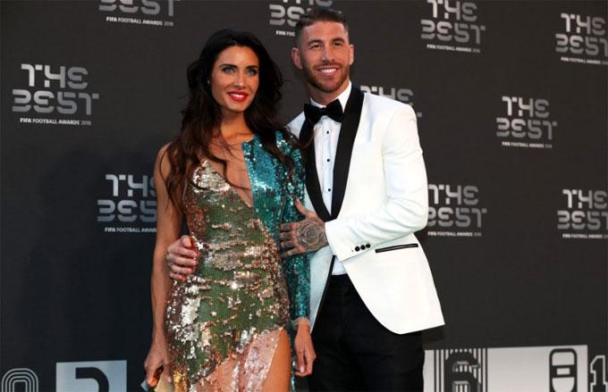 Trung vệ đội trưởng tuyển Tây Ban Nha Sergio Ramos đưa bạn gái Rubio Pilar đến London, Anh tham gia sự kiện của FIFA ngày 24/9.