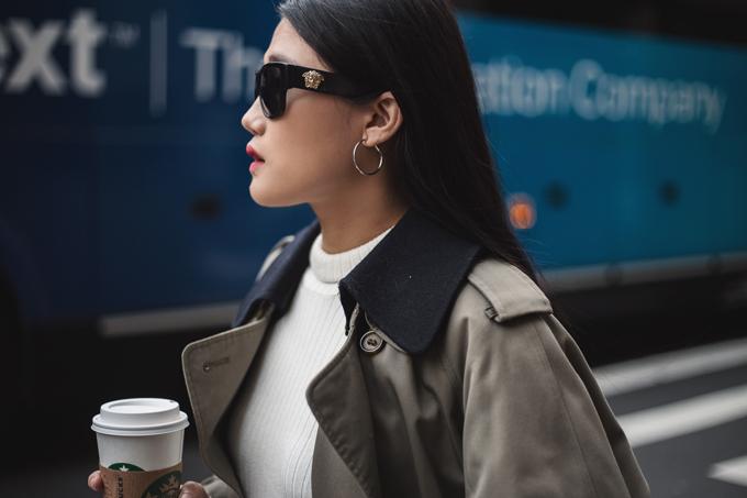 Ngay khi đặt chân đến New York, Kha Mỹ Vân và các bạn bè thân thiết của cô đã thực hiện bộ ảnh street style khi rong ruổi trên phố.