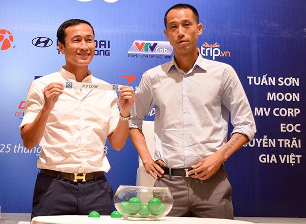 Hai cựu danh thủ Đặng Phương Nam và Vũ Như Thành tham gia bốc thăm, xếp lịch thi đấu HPL-S6.