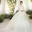 Nhã Phương xinh như công chúa khi mặc váy cô dâu