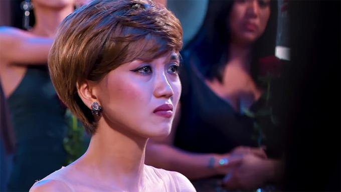 Trúc Như bật khóc khi nghe Minh Thư công khai tình cảm. Ảnh: The Bachelor Vietnam