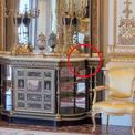 Cánh cửa bí mật Nữ hoàng Anh giấu trong phòng khách cung điện