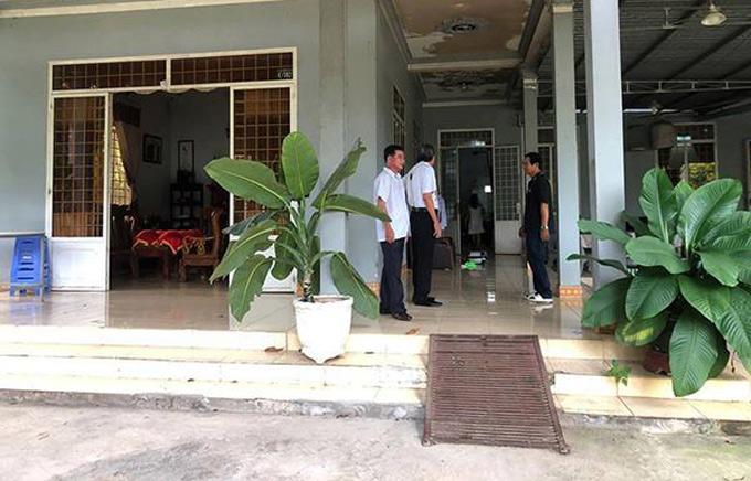 Tại Đồng Nai, gia đình Trường Giang cũng đã chuẩn bị lễ vật, chờ tới giờ xuất phát về Sài Gòn xin dâu.