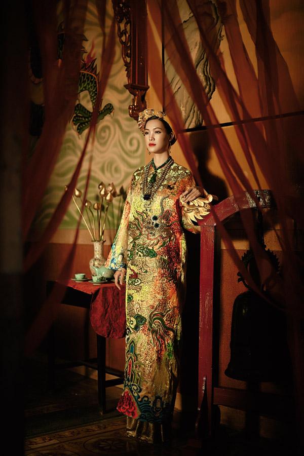 Thùy Dung nhận lời làm người mẫu cho bộ sưu tập Hành trình về phương Đông của hai nhà thiết kế Thế Huy và Hải Long. Nhan sắctự nhiên cùng vẻ đài các, sang trọngcủa Hoa hậu Việt Nam 2008 được hai nhà thiết kế đánh giá là phù hợp với tinh thần của bộ sưu tập lấy cảm hứng từ hình ảnh các hoàng hậu của nhữngvương triều ngày xưa.