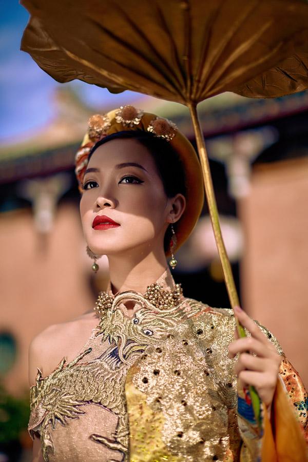 Bộ ảnh được thực hiện với sự hỗ trợ của make-up: Beo và giám đốc sáng tạo An Nam.
