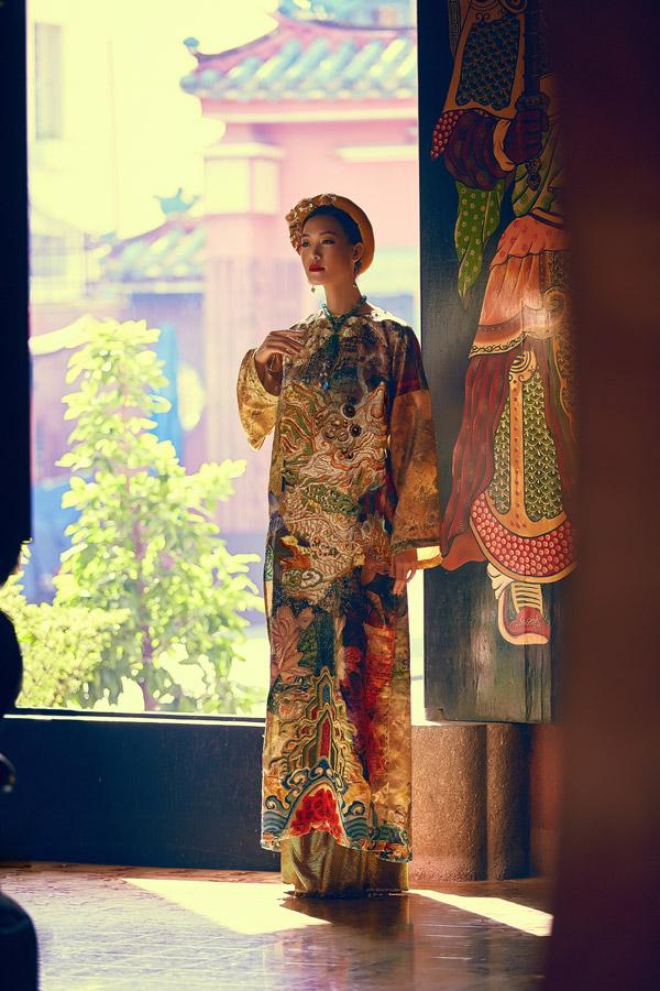 Hai nhà thiết kế Thế Huy và Hải Long sẽ giới thiệu bộ sưu tập Hành trình về phương Đông trong show diễn kỷ niệm 11 năm vào nghề vào ngày 26/10 tại một resort 6 sao ở Lăng Cô, Huế. Hoa hậu Thùy Dung sẽ xuất hiện trên ghế khách mời VIP của chương trình.