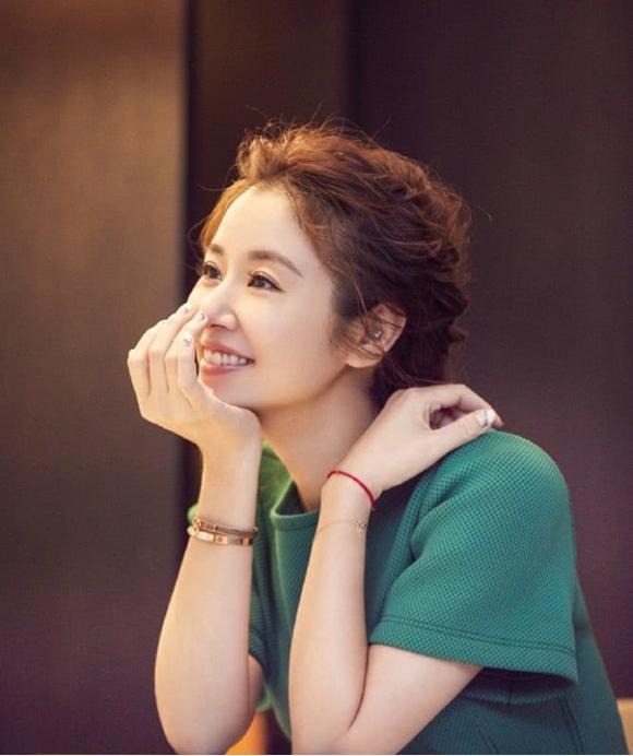 Lâm Tâm Như trẻ trung và rạng rỡ khi tham dự một sự kiện hôm 23/9. Ảnh: Weibo