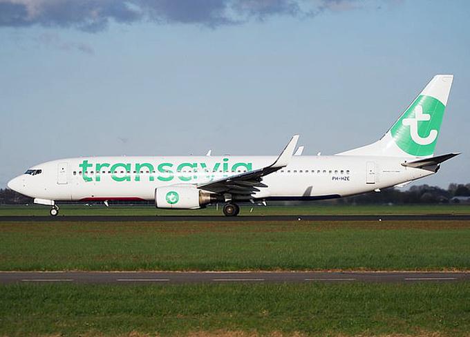 Mãy bay của hãng hàng không giá rẻ Hà Lan Transavia. Ảnh: REX.