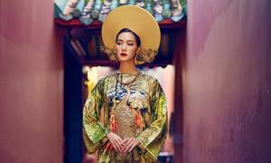 Hoa hậu Thùy Dung uy quyền với áo dài lấy cảm hứng cung đình