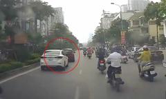 Tài xế ôtô 'trả thù' xe phía trước vì chạy kiểu giật cục