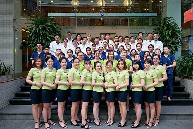 Trong suốt 15 năm hoạt động và phát triển, JW đã hoàn thiện nhan sắc cho hàng nghìn khách hàng, giúp họ lấy lại niềm tin trong cuộc sống, xóa bỏ nỗi ám ảnh khiếm khuyết cơ thể. JW luôn cam kết đem lại chất lượng tốt nhất, đạt chuẩn quốc tế tại Việt Nam.Nhân kỷ niệm 15 năm, JW ưu đãi nhiều dịch vụ: giảm 40% cho dịch vụ nha khoa; ưu đãi 30% cho các dịch vụ chăm sóc da; ưu đãi 15% dịch vụ nâng mũi S Sine cho 100 khách hàng đăng ký đầu tiên; tặng 15 triệu đồng dịch vụ phẫu thuật hàm hô móm và 10 triệu đồng gọt mặt V line khi khách hàng đăng ký online; tặng 3 triệu cho thẩm mỹ mắt và 15% cho những dịch vụ khác.