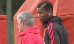 Pogba tiu nghỉu vì bị HLV Mourinho lạnh lùng