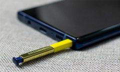 S Pen - điểm khác biệt của Galaxy Note 9 so với bộ ba iPhone