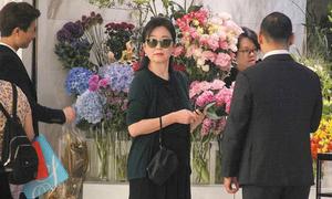 Lâm Thanh Hà đi mua sắm sau ồn ào ly dị chồng tỷ phú