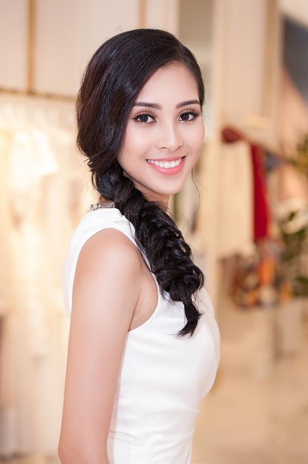 Nụ cười rạng rỡ là lợi thế của Hoa hậu Tiểu Vy.