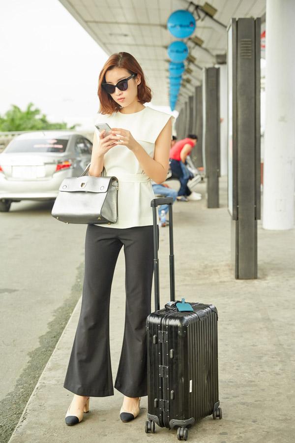 Hoa hậu Đỗ Mỹ Linh đọ mặt mộc với Phương Ly ở sân bay - 2