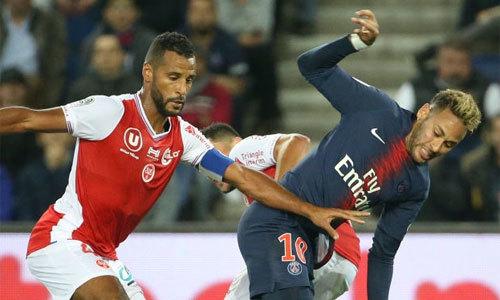 Neymar biểu diễn đi bóng 'chóng mặt' ở giải Pháp