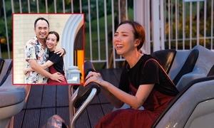 Thu Trang khóc thét vì bị chồng lừa chơi tàu lượn siêu tốc một mình