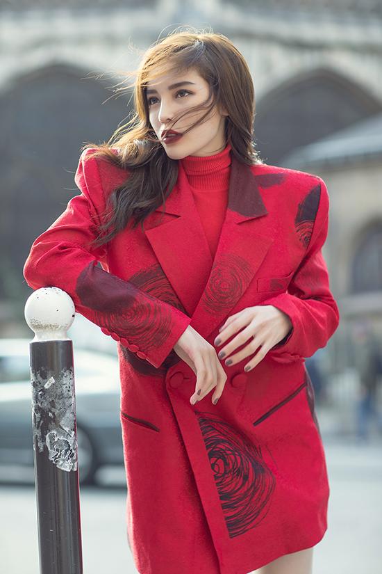 Nguyễn Cao Kỳ Duyên đang có mặt ở Paris (Pháp) để tham dự Tuần lễ thời trang Paris Xuân/Hè 2019. Người đẹp cho biết, đây là cơ hội để côkhẳng định phong cách thời trang thời thượng của bản thân.