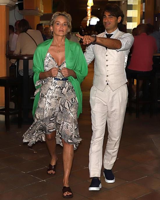 Cặp đôi đã tới Tây Ban Nha nghỉ dưỡng từ giữa tháng 9.