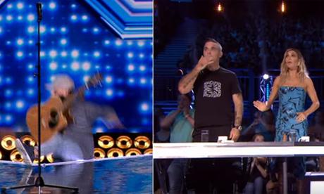 Giám khảo X Factor hoảng hồn khi thí sinh hụt chân ngã ngửa khỏi sân khấu