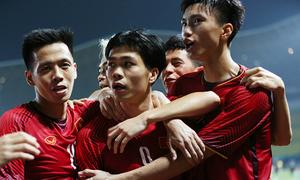 HLV Park Hang-seo đưa cả đội Olympic lên tuyển Việt Nam