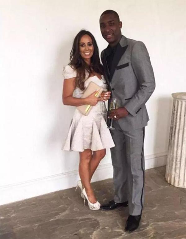 Jlloyd Samuel và cô vợ