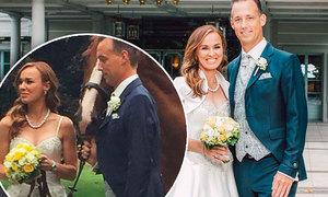 Martina Hingis có bầu với chồng mới cưới hai tháng