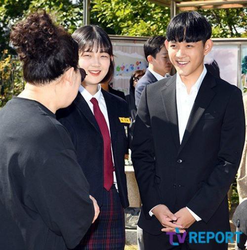 Hai con Choi Jin Sil trưởng thành sau 10 năm mẹ mất - 5