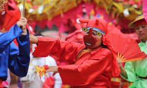 Trò diễn dân gian 1.000 năm được tái hiện ở lễ hội Lam Kinh