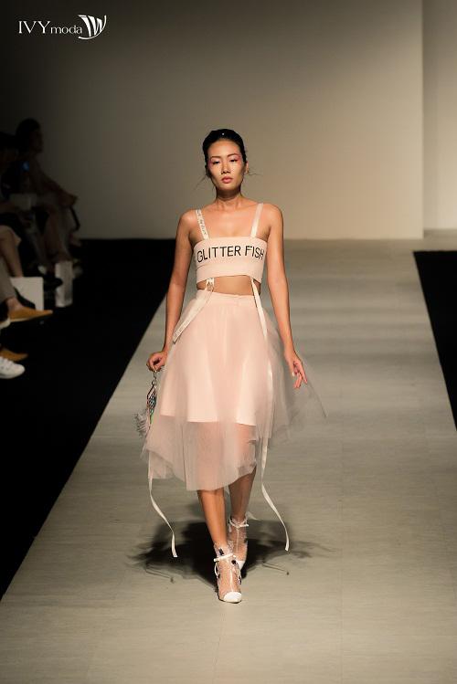 100-sac-thai-forever-young-tai-ivy-moda-fashion-show-2