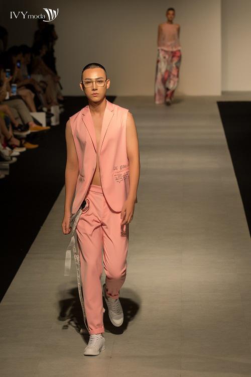 100-sac-thai-forever-young-tai-ivy-moda-fashion-show-5