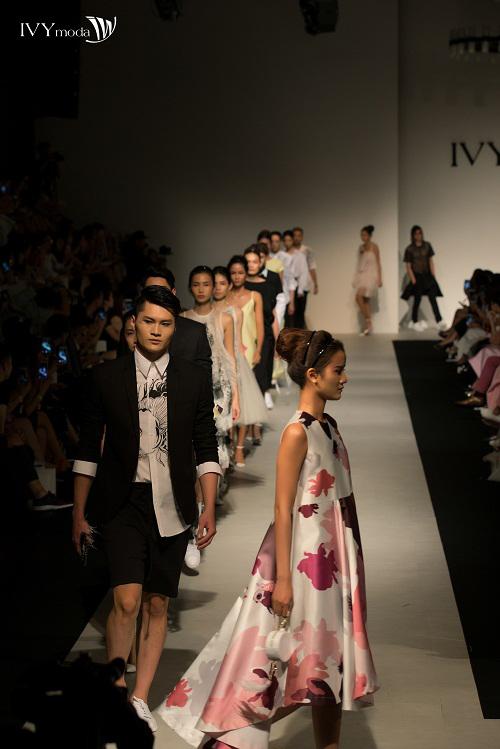 100-sac-thai-forever-young-tai-ivy-moda-fashion-show-6