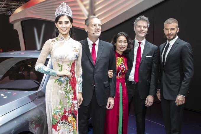Chuyến đi công tác ở Pháp lần này với Hoa hậu còn là dịp học hỏi, làm quen với môi trường quốc tế, chuẩn bị cho cuộc thi