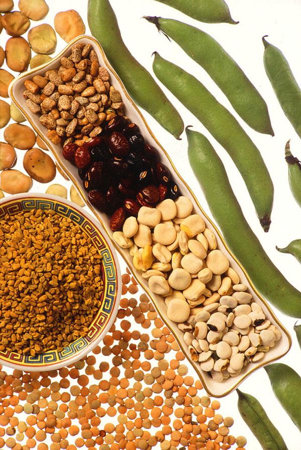 Các loại đậu là dinh dưỡng nhưng chúng cũng giàu carbohydrate. Vì vậy, trong khi bạn có thể ăn chúng cho protein, để có được một cái bụng phẳng, nó là khôn ngoan để giữ chúng ra khỏi chế độ ăn uống của bạn.