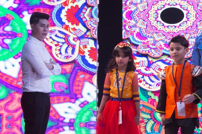 Đạo diễn Nguyễn Hưng Phúc thực hiện tuần lễ thời trang trẻ em Ấn Độ - 3