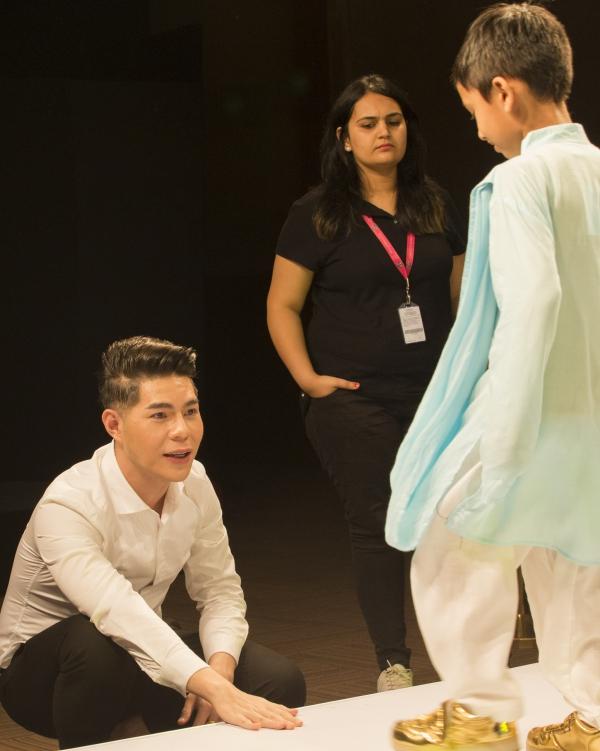 Đạo diễn Nguyễn Hưng Phúc thực hiện tuần lễ thời trang trẻ em Ấn Độ - 4