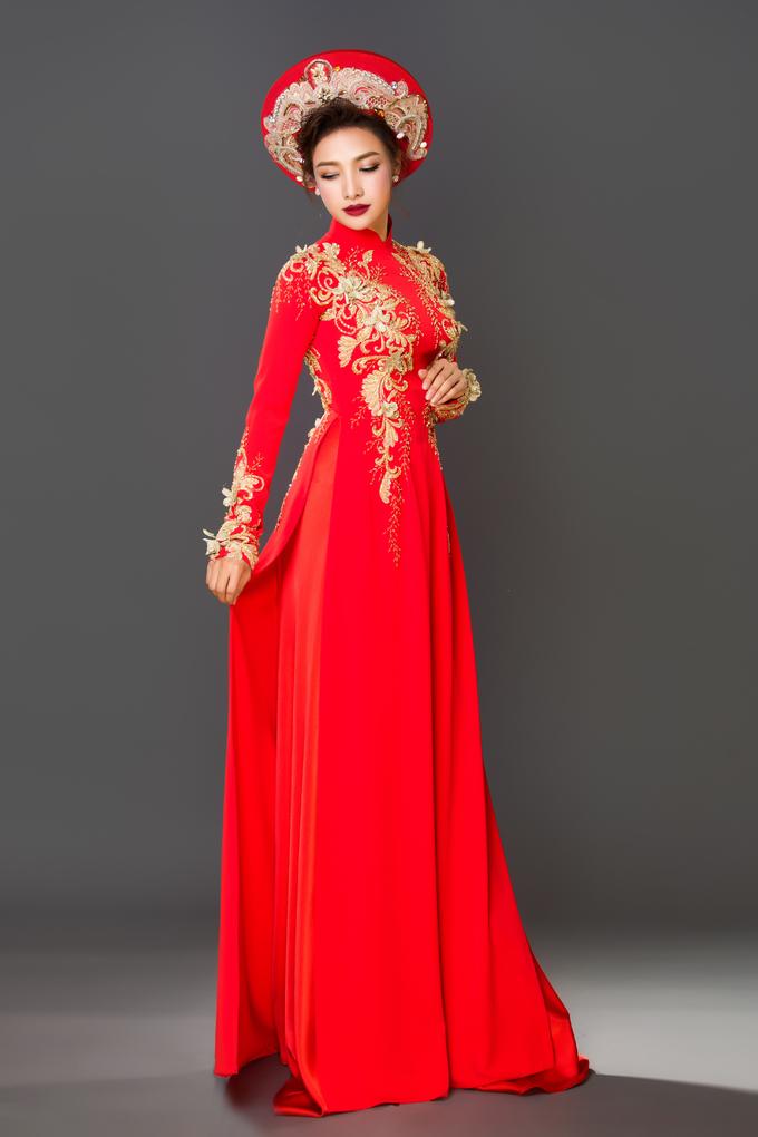 Lê Bê La gợi ý áo dài cưới lụa đỏ tôn nét đẹp Á Đông
