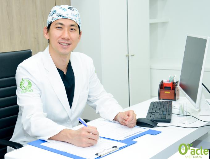 Dr. Wang trong một chuyến công tác tại Oracle Việt Nam.