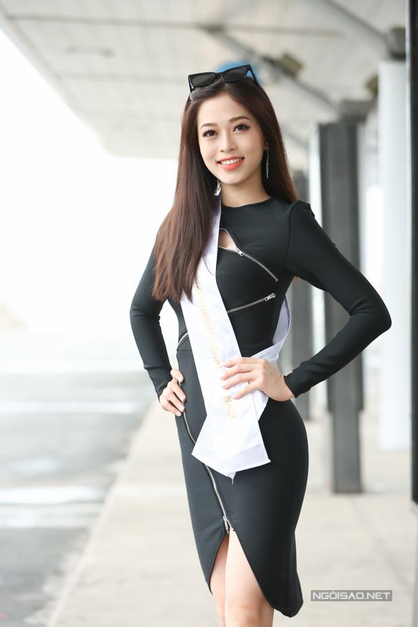 Người đẹp được giá cao bởi nhan sắc hiện đại cùng vốn tiếng Anh lưu loát.