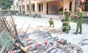 Hàng trăm khẩu súng tự chế ở Nghệ An bị tiêu hủy